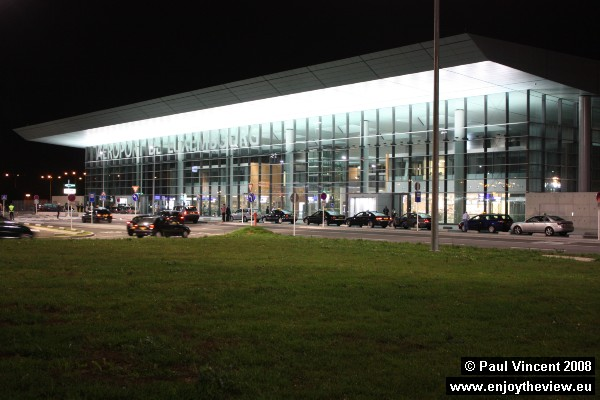 The airport, inaugurated in 1946, has recently been renovated, with new terminals in 2004 and 2008.