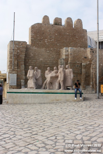 Sculpture commemorating the Tunisian War of Independence, fought between 1952 and 1956.