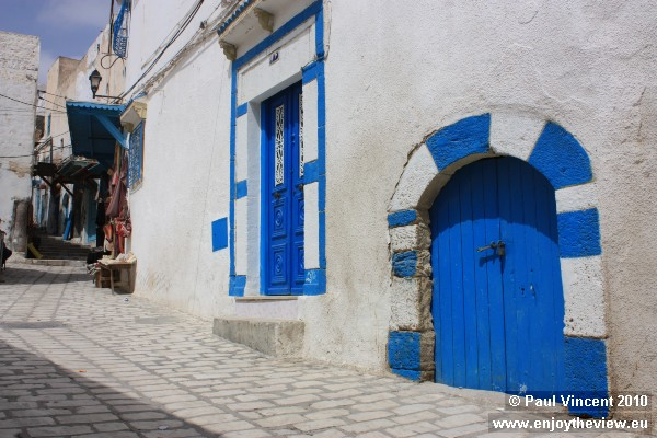 Within the medina, the streets and buildings are kept surprisingly clean and tidy.