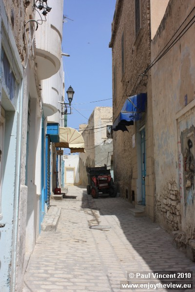 A small tractor in Sousse medina.