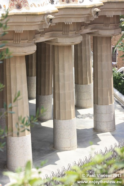 Doric columns support the main terrace, which is located above the lower court.
