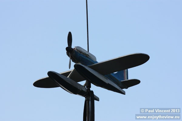 This weather vane commemorates George Stainforth, the first man in the world to exceed 400 mph.