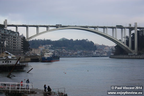 View of the Arrábida Bridge from the west.