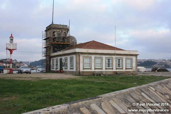 An old lighthouse station, on the Douro River.