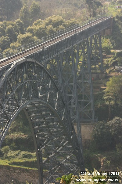 Spanning 160 metres, it was the longest single-arch span in the world.