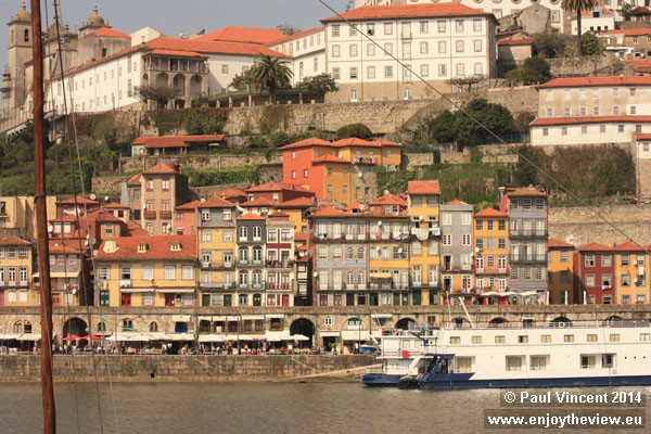 Homes along the northern bank of the Douro River.