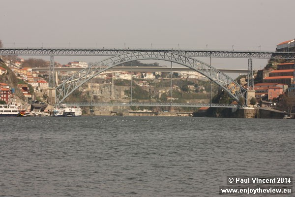 The Dom Luís and Infante bridges over the Douro River.