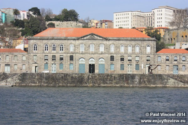 More recently, the New Customs House housed the Transport and Communications Museum.
