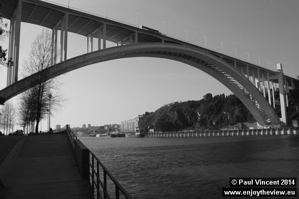The Arrábida Bridge viewed from the south bank of the Douro River.