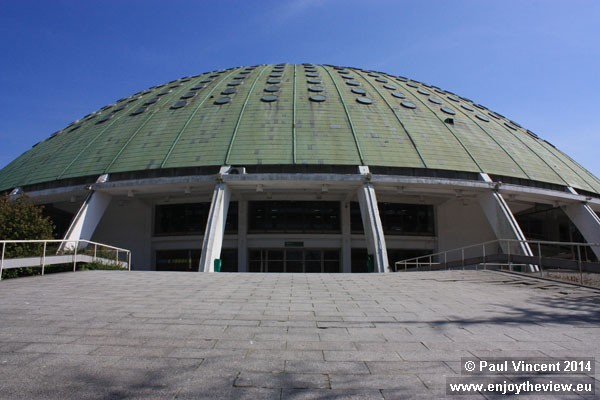 The venue has a seating capacity of 10,000.