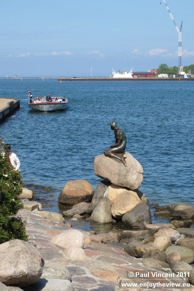 Sculptor Edvard Eriksen created the bronze statue, which was unveiled in 1913.